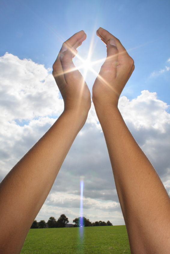 hands-in-sun