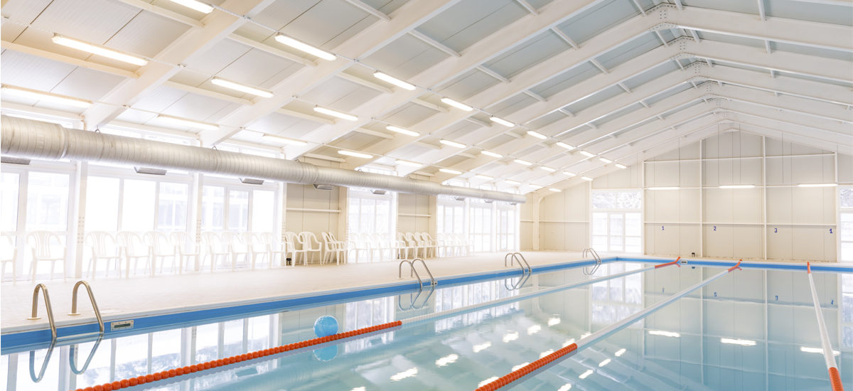 Can pool heat pumps be installed indoors?